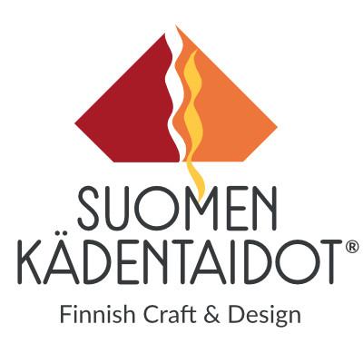 Abstrakti kulmikas kuvio punaisena, oranssina ja keltaisena. Tekstinä: Suomen kädentaidot, Finnish Craft & Design